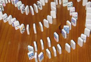 sw domino setup 292x200 Blog Homme : Réussir Seul ? de la Codépendance à l'Interdépendance